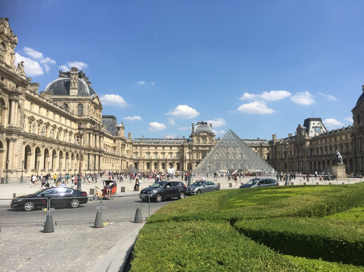First time in Paris? Here are 12 tips from a local